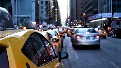 """3710亿元转向,治愈车市""""寒冬""""还得靠楼市?"""