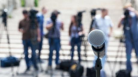 面对媒体的负面报道,如何开展公关处理?
