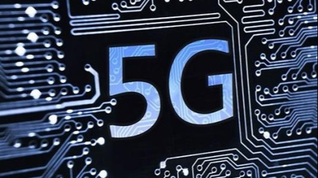 5G技术加持,服务机器人如何在各行业驰骋遨游